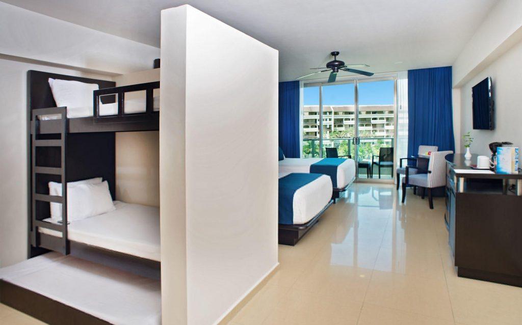 seadust cancun familiy resort_room