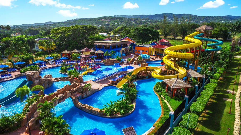 jewel Runaway Bay Beach and Golf Resort_watergames