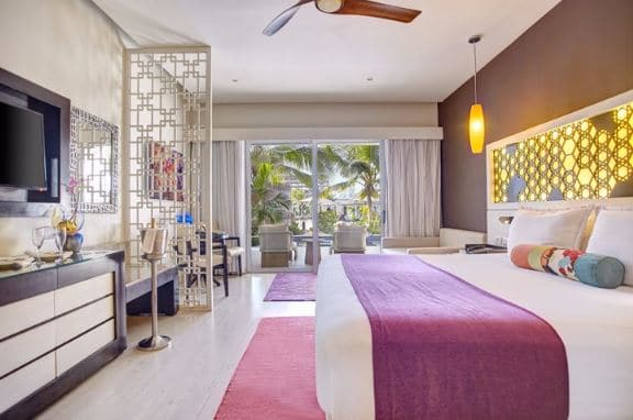 royalton white sands_room