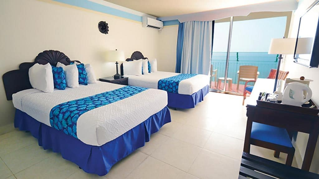 sunscape splash montego bay_room